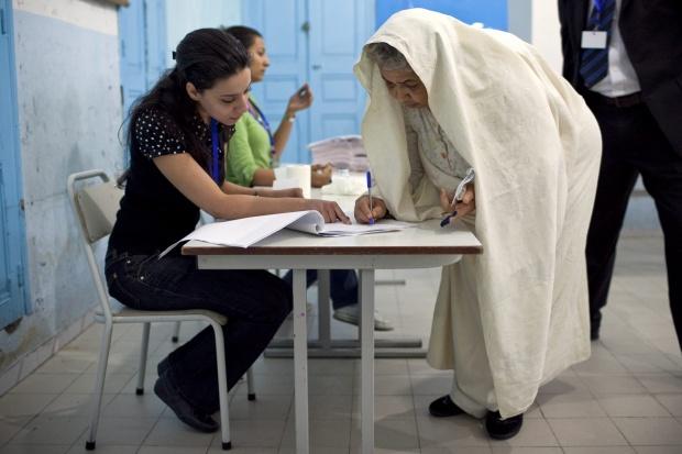 """""""Исторически"""" избори в Тунис след Арабската пролет"""