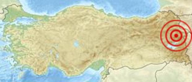 Силен трус удря Източна Турция