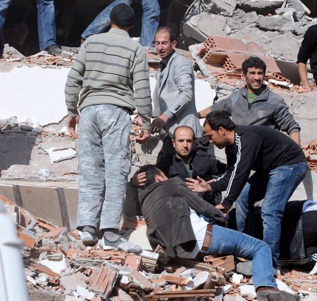 Стотици убити в резултат на труса в Турция