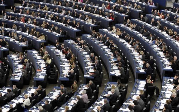ЕП иска опростени правила за обществените поръчки