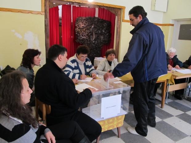 Масово купуване на гласовете на малцинствата във Ветово