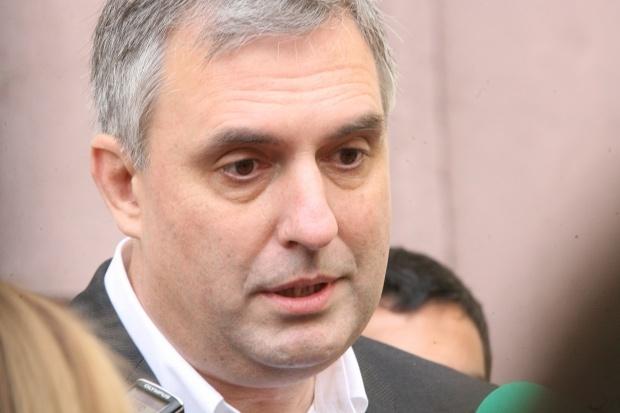 """Калфин пожела на Плевнелиев да е """"по-убедителен"""""""