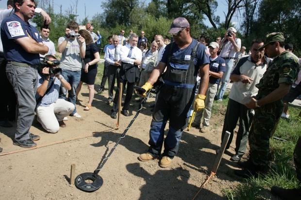 Хващат крадците на боеприпаси от Челопечене