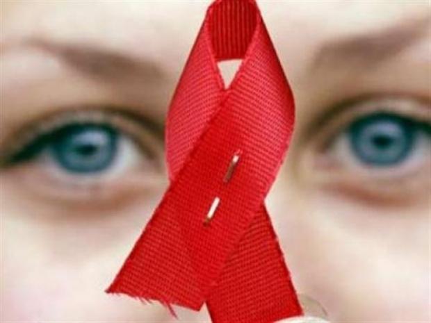 """""""Гардиън"""": Англия да промени закона за лекарствата срещу СПИН"""