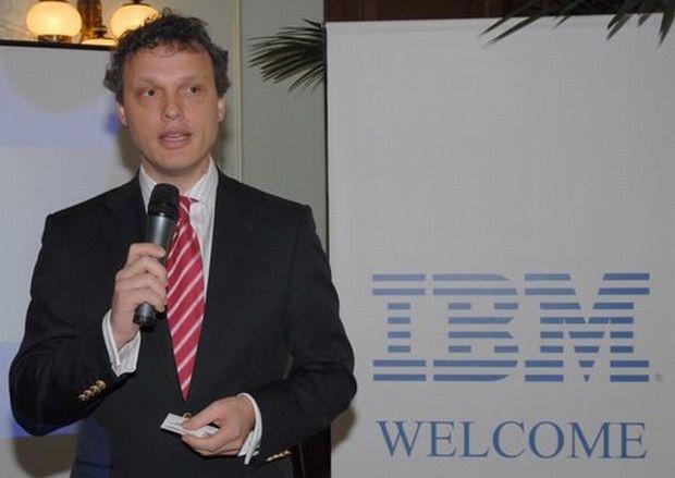 Социалното министерство ще си сътрудничи с IBM