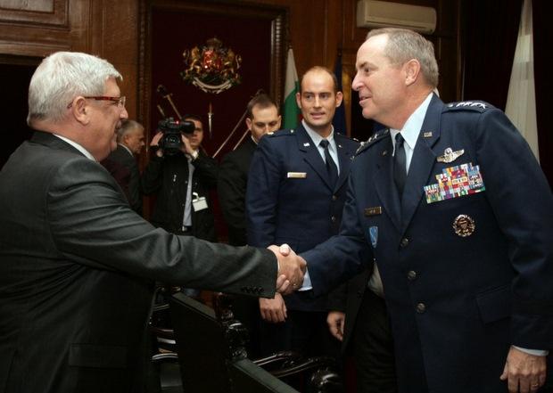 Щатски генерал хвали българските ВВС