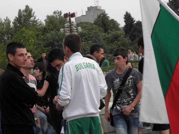 """""""Ди пресе"""": Българите се връщат в родината си"""