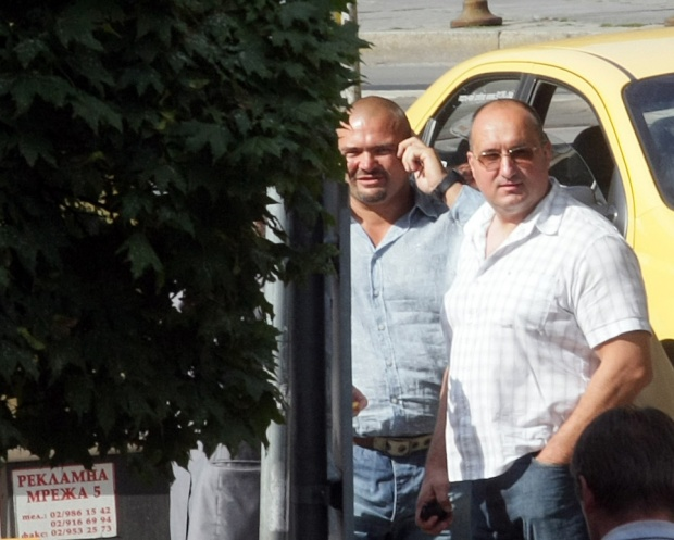 Братя Галеви плащат 8000 лв. за обида
