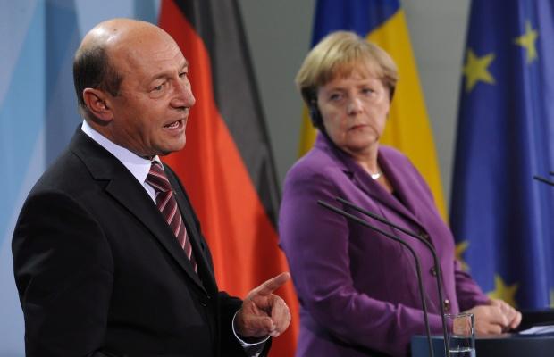 Бъсеску: ЕС ограничава България и Румъния неоправдано