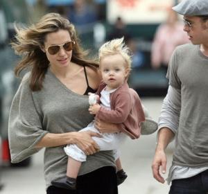Анджелина Джоли отново бременна с близнаци