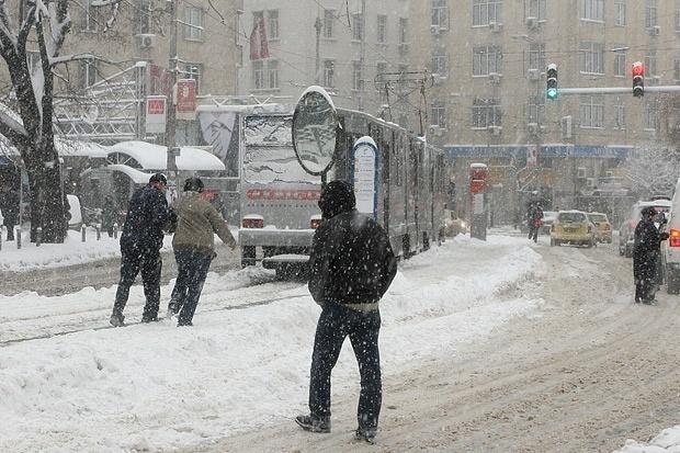 1000 полицаи пазят Хилъри в София