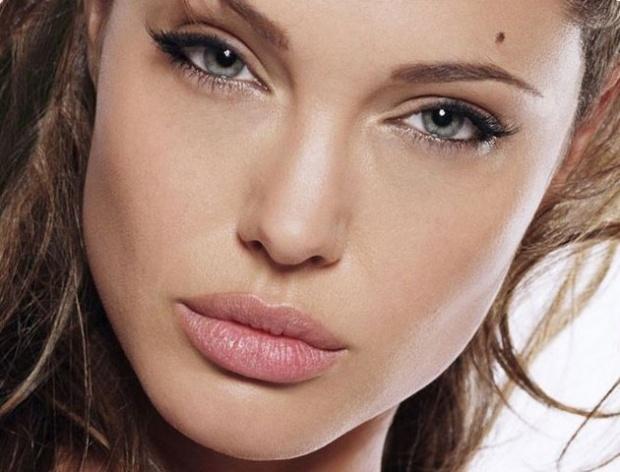 """Джоли – злата орисница в """"Спящата красавица"""""""