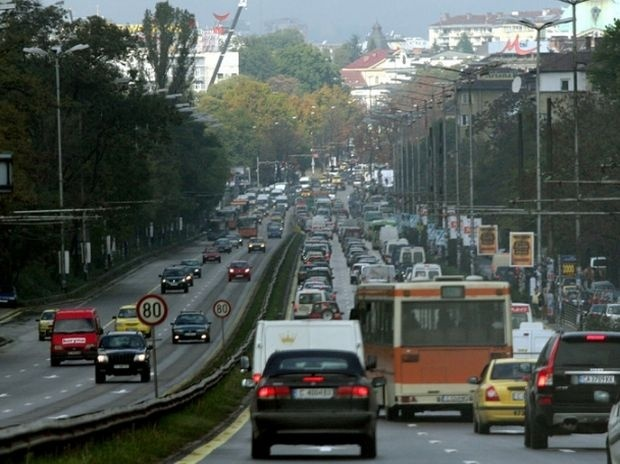 "Две катастрофи и огромно задръстване на ""Цариградско шосе"""