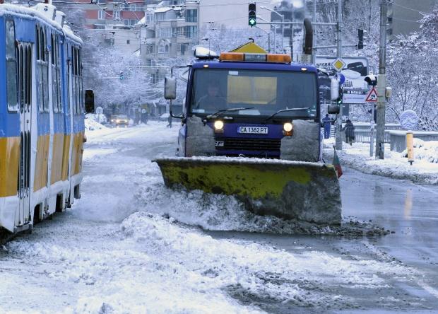 Държавата поиска фирмите да чистят пътищата по-евтино