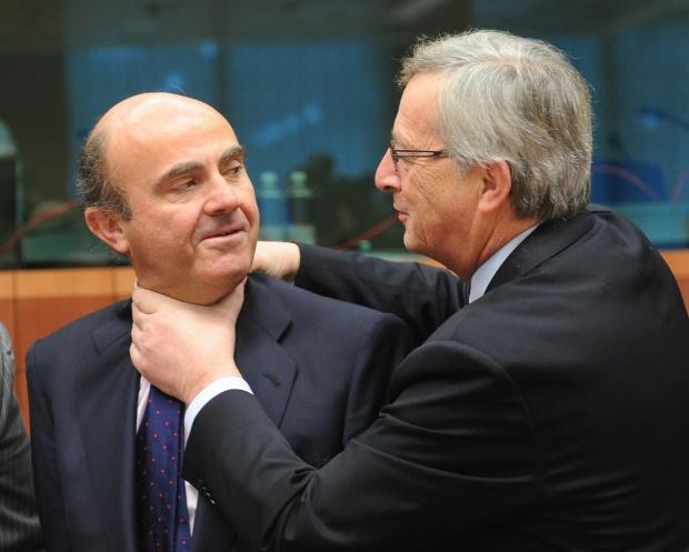 """Еврогрупата спаси Гърция, """"хвана за гушата"""" Испания"""