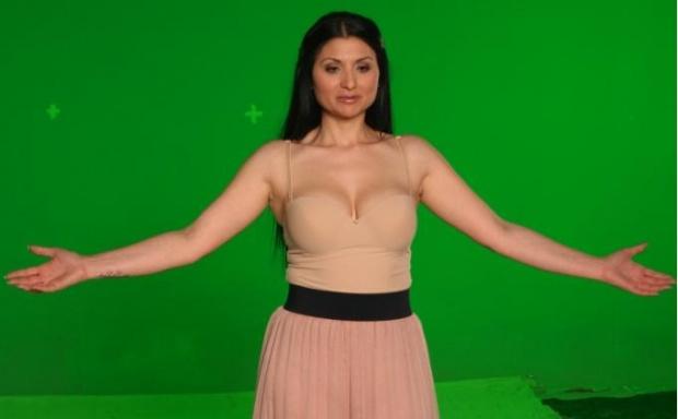 Софи Маринова снима клипа към Love Unlimited