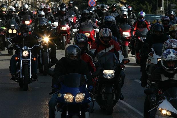 Мотористи от цялата страна откриват Мотосезона