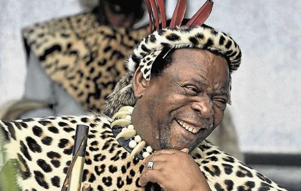Кралят на зулусите претърпя катастрофа, отказа визита в България