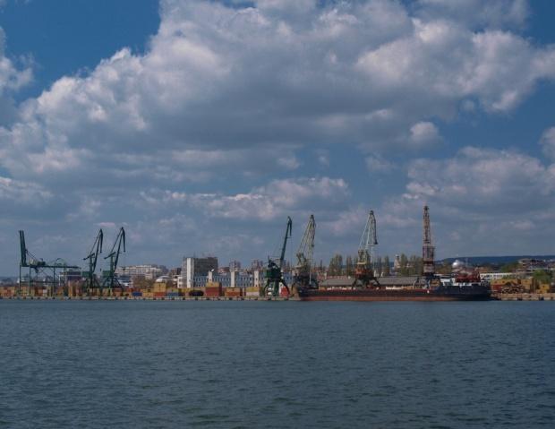 """Китайци искат Пристанище """"Варна"""" на концесия"""