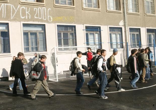 Над 15 000 ученици отпаднали от училище през 2011 г.