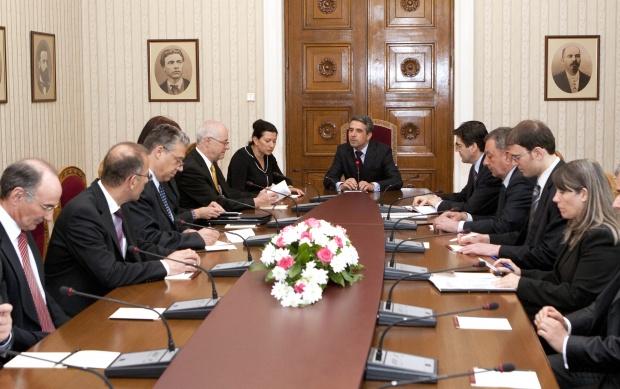 Плевнелиев: България ще се учи на децентрализация от Швейцария
