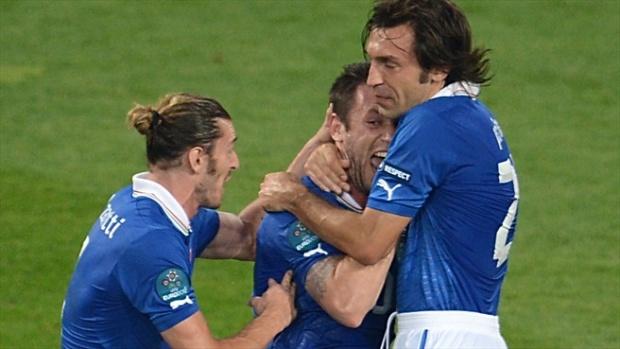 """2:0 срещу Ейре класира """"подценена"""" Италия на четвъртфинал"""