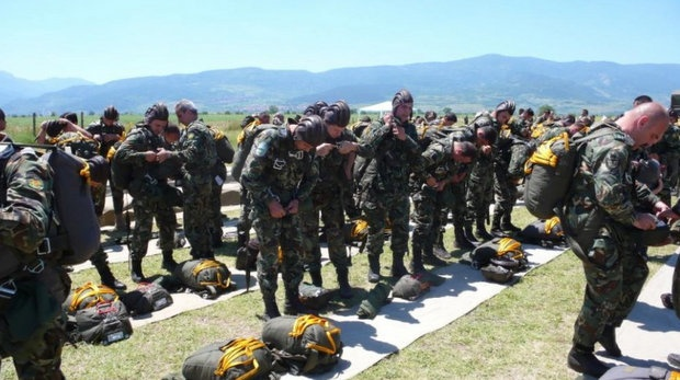 Bulgarian Special Forces/Airborne Splinter Uniform Photo_verybig_14053