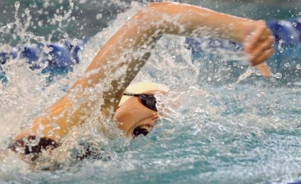 Рангелова подобри рекорда и на плуване 200 метра, но пак отпадна