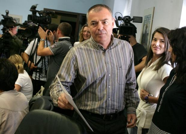 Ботев остава нецензуриран в учебниците, заяви Игнатов
