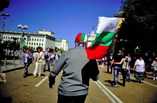 """""""Ройтерс"""": Корупция и престъпност тровят България"""