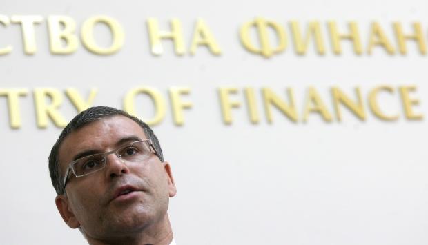Дянков обеща по-високи учителски заплати