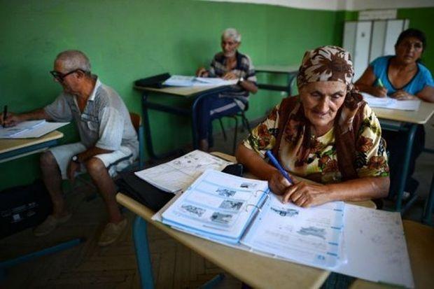 АФП: Лятно училище учи българските роми на четиво и писмо