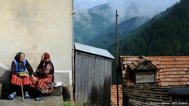 АП: България – назад във времето, с бясно модернизирано общество