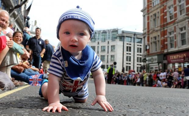 """Генетичен материал от """"известни татковци"""" ще радва бъдещи майки"""