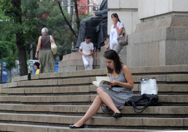 Само 20% от висшистите в България работят по специалността си
