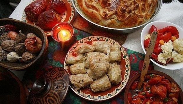 Вярващите празнуват Коледни заговезни