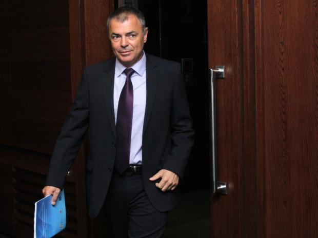 Министър Игнатов защити шефа на Фонда за научни изследвания