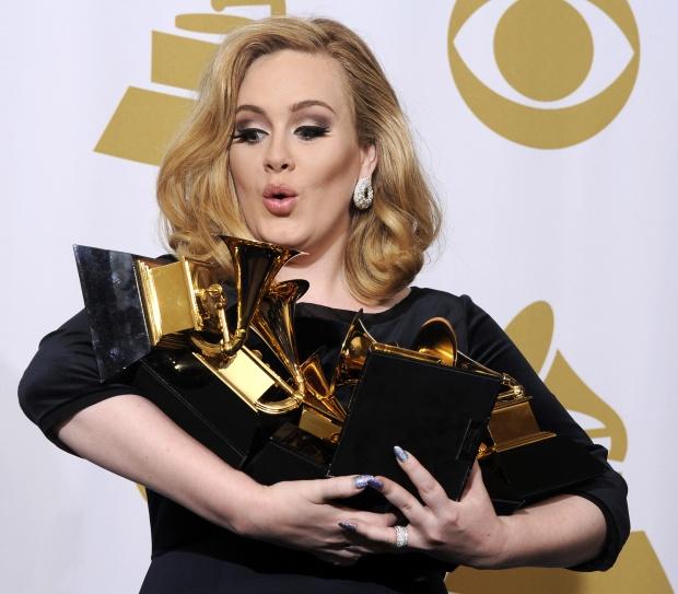 Адел продаде 10 млн. копия от дебютния си албум