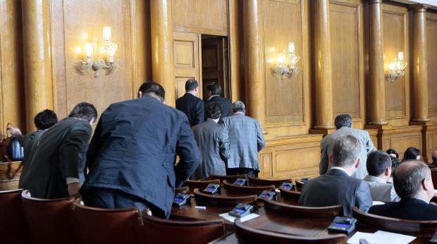 Депутатите одобриха държавната субсидия за частни детски градини и училища