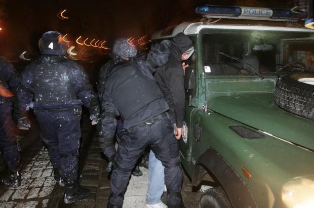 Непълнолетен е сред 15-те пострадали при протеста в София