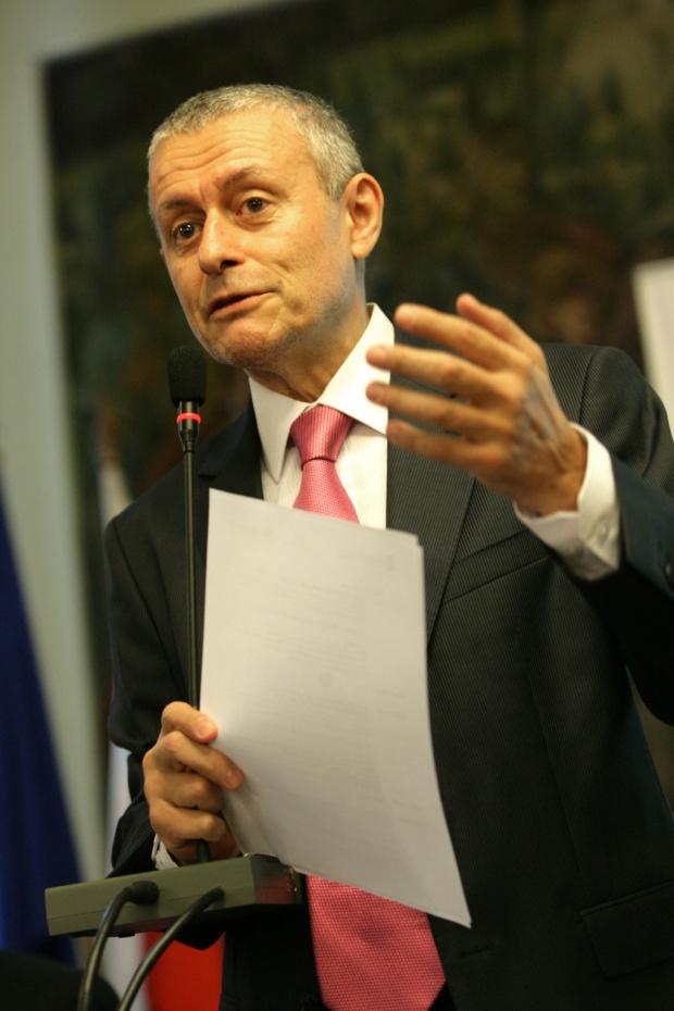 Соломон Паси: Репутацията на Борисов лепи петна върху България
