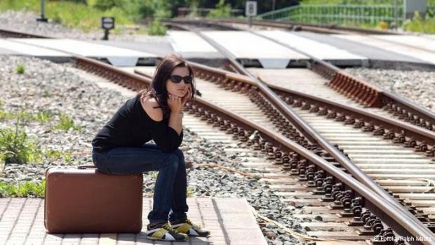 """В. """"Сън"""": 400 хиляди българи са потенциални емигранти"""