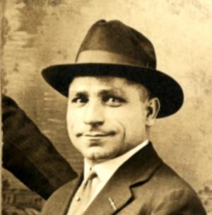 Музикантът Стою Крушкин- българин в оркестъра.