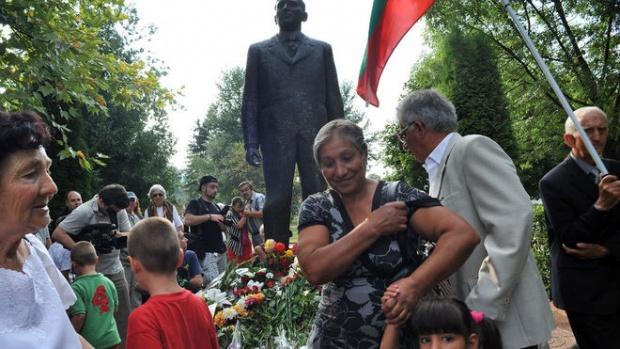 В Правец отбелязаха 102 г. от рождението на Тодор Живков