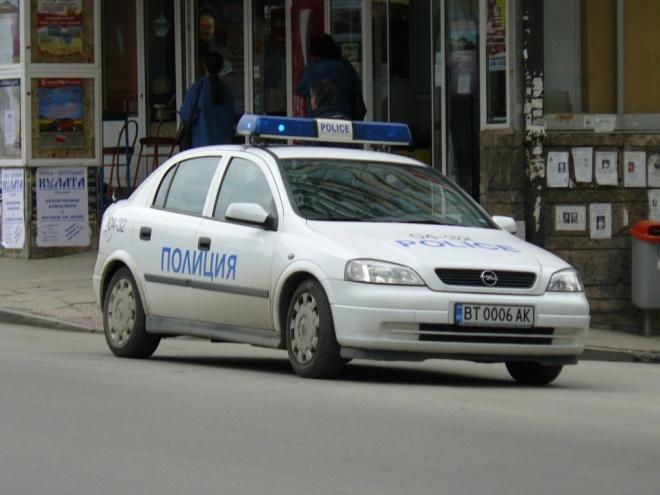 """Петима с калашници и униформи на ГДБОП обрали офиса на """"Спиди"""" в Горубляне"""