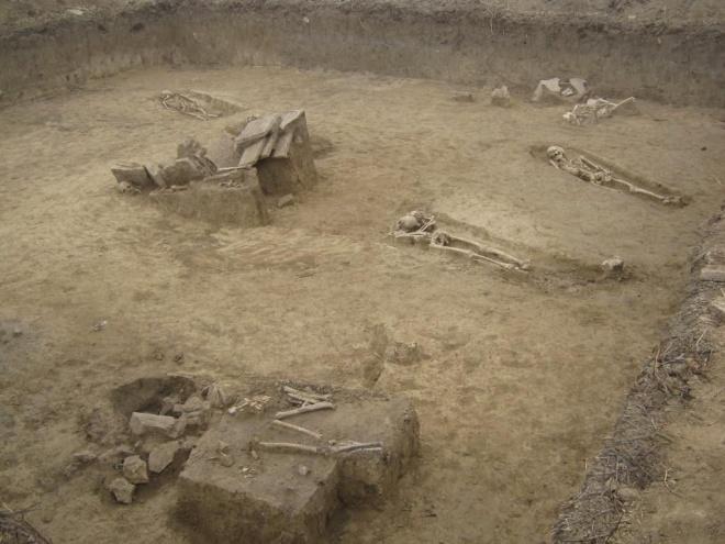 Откриха 376 гроба от траките до Средновековието край Русе