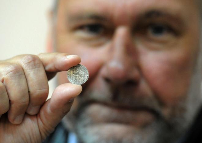 Откриха монети от преди 15 века на крепостта Урвич