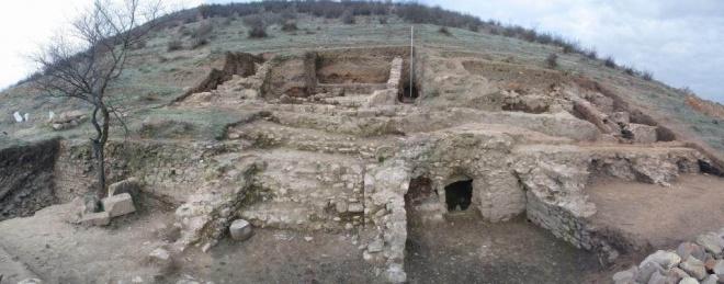 Откриха ценен некропол от ХІV век в Сандански