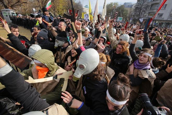 Би Би Си за протестите в България
