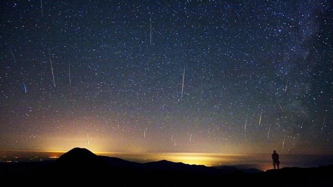 Десетки падащи звезди наблюдаваме в началото на 2014 г.